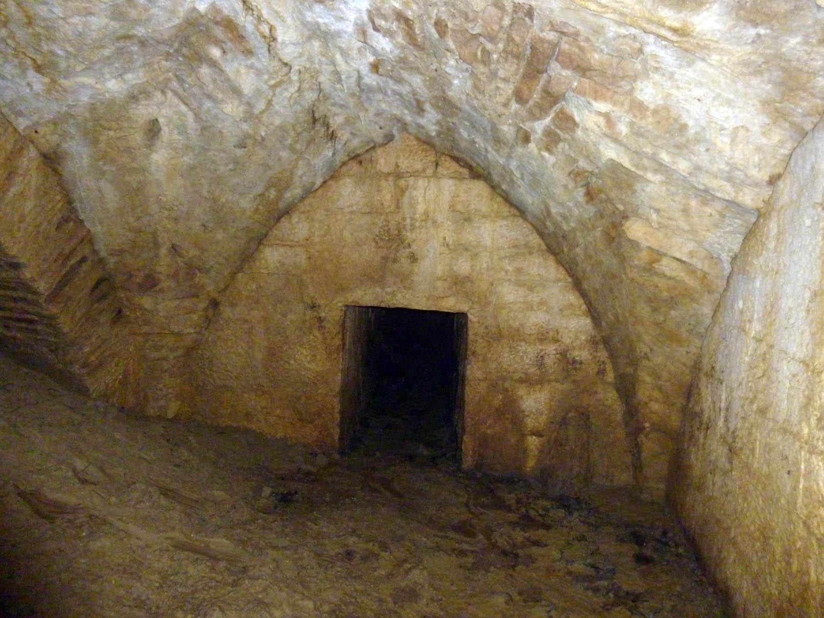 fonte delle logge - todi sotterranea