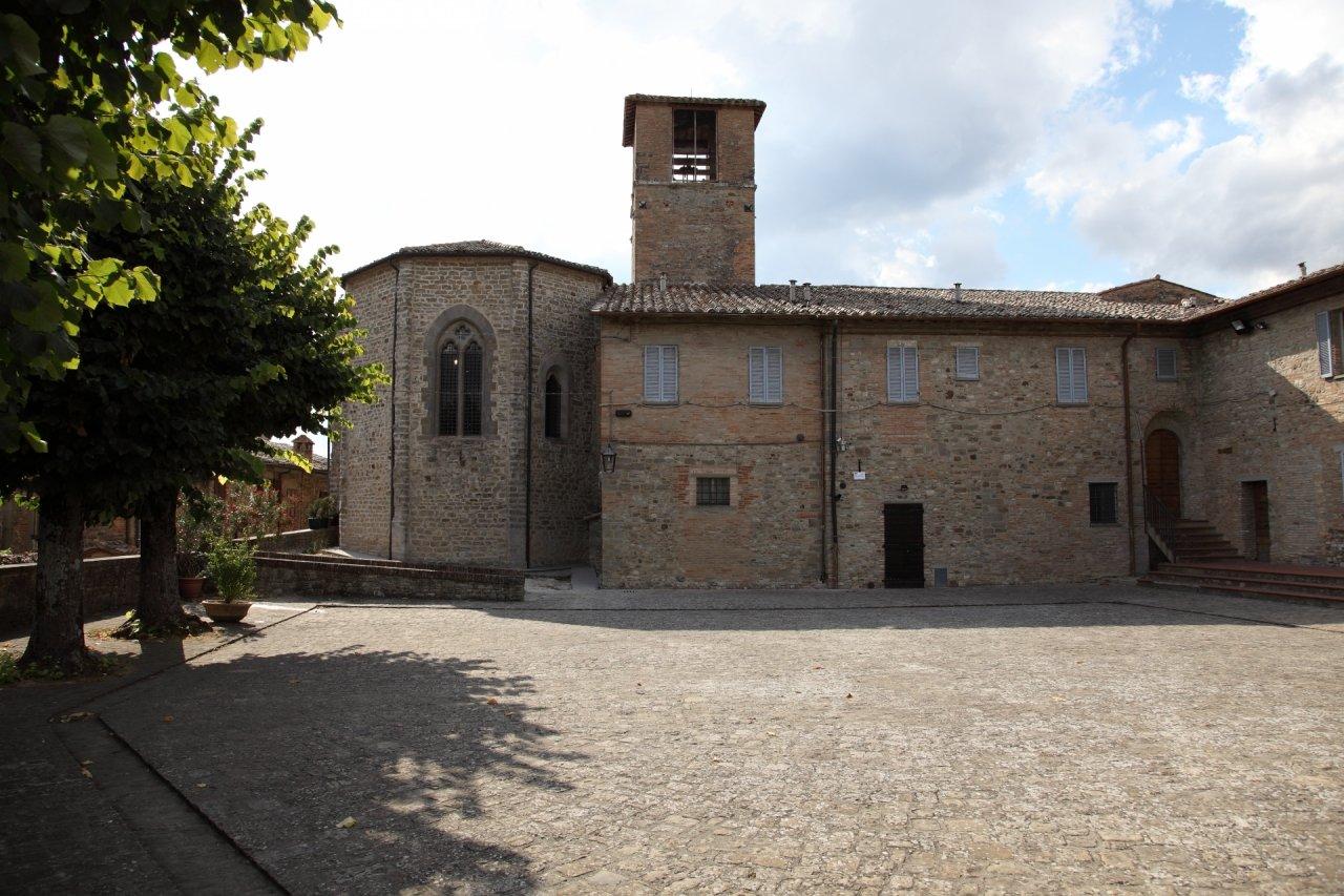 Festa della donazione della Santa Spina, tra scene medioevali e sfide per aggiudicarsi il Palio.