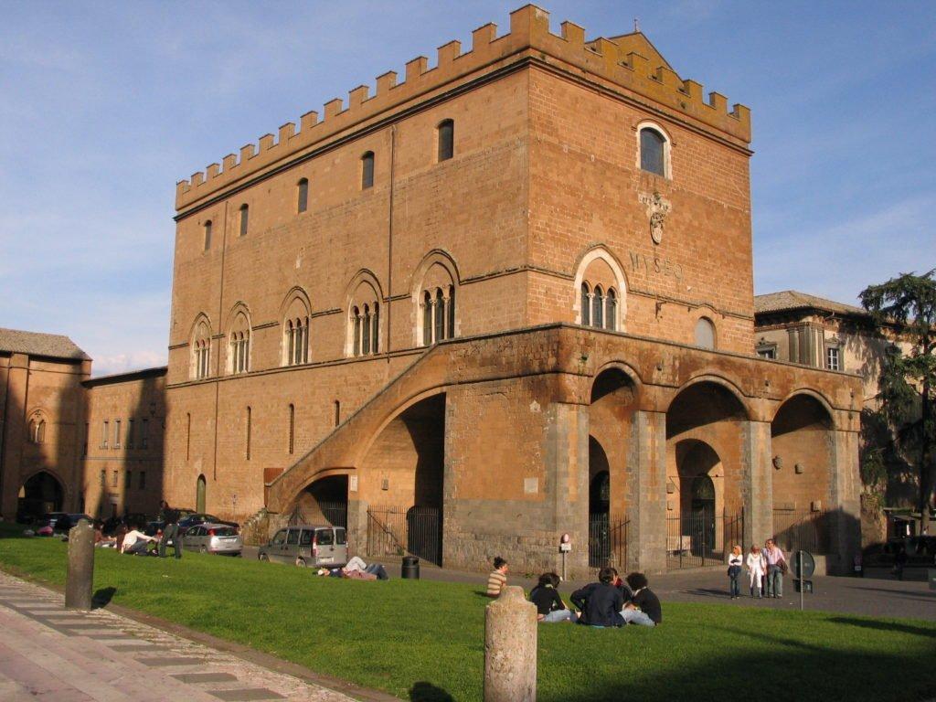 PALAZZO SOLIANO: la vitalita' della scultura contemporanea di Emilio Greco nella fabbrica di Orvieto