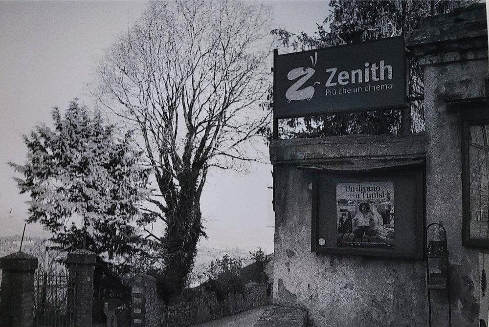 Aspettando la riapertura del Cinema Zenith. Corso Cavour, PG.
