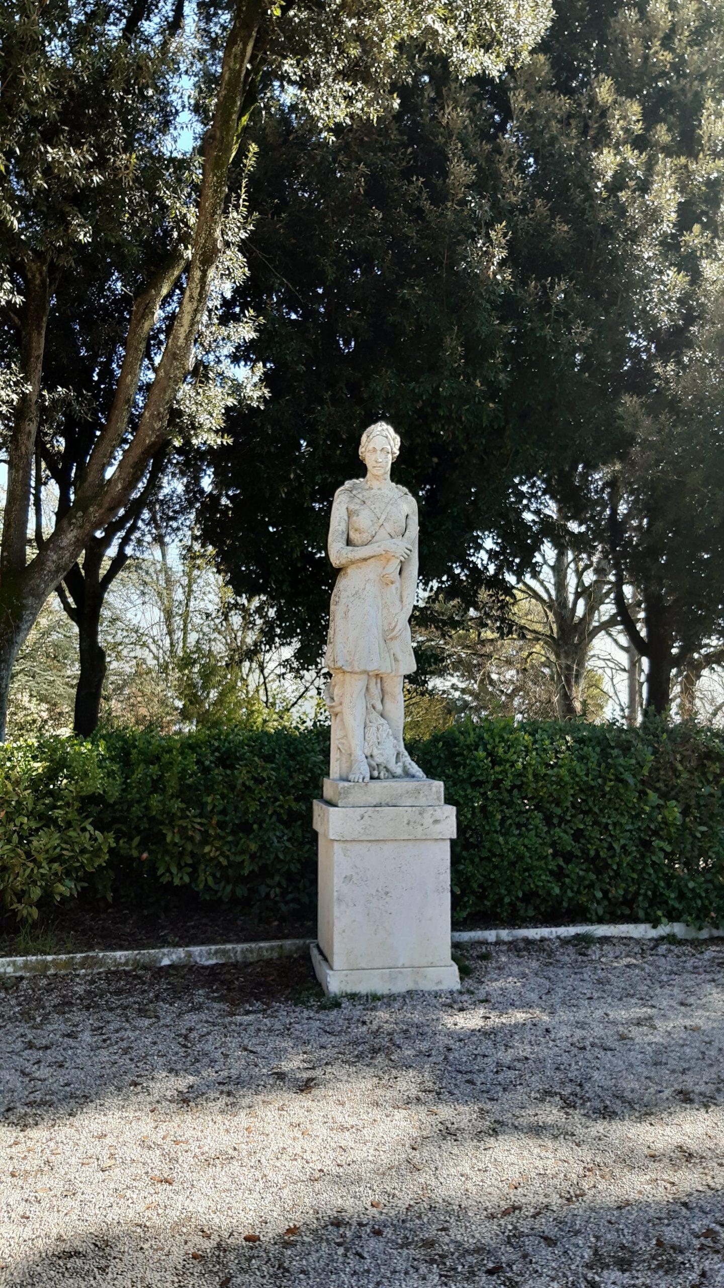 statua giardini del frontone di Perugia numero 2