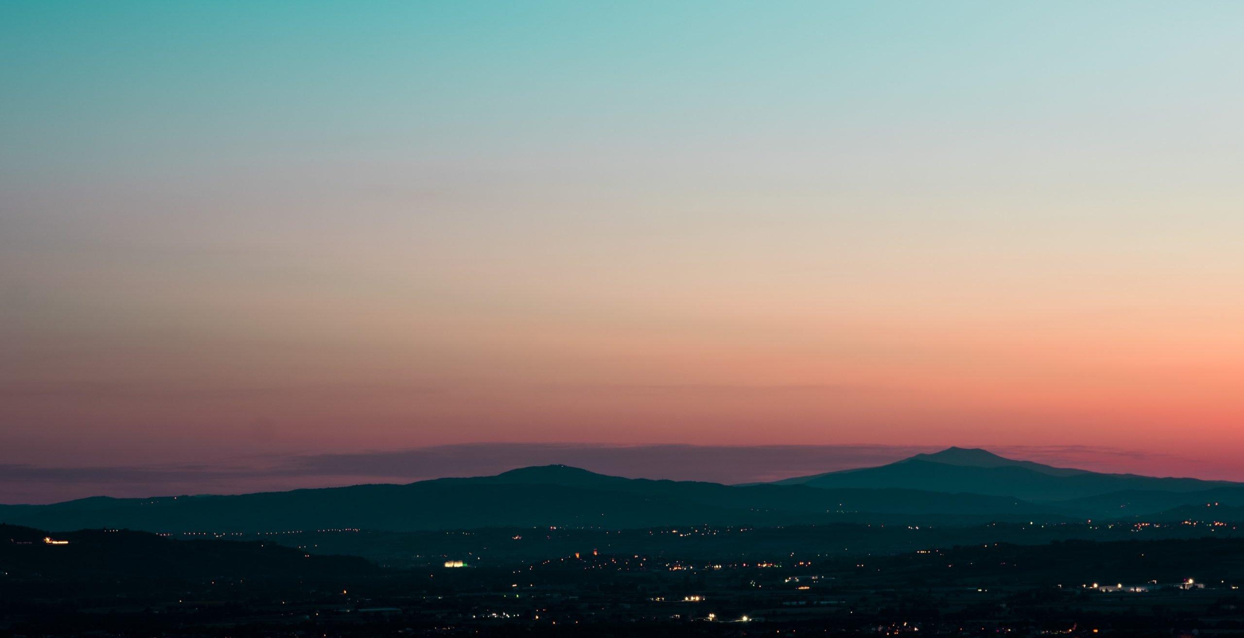 panorama assisi al tramonto - oggetti volanti non identificati