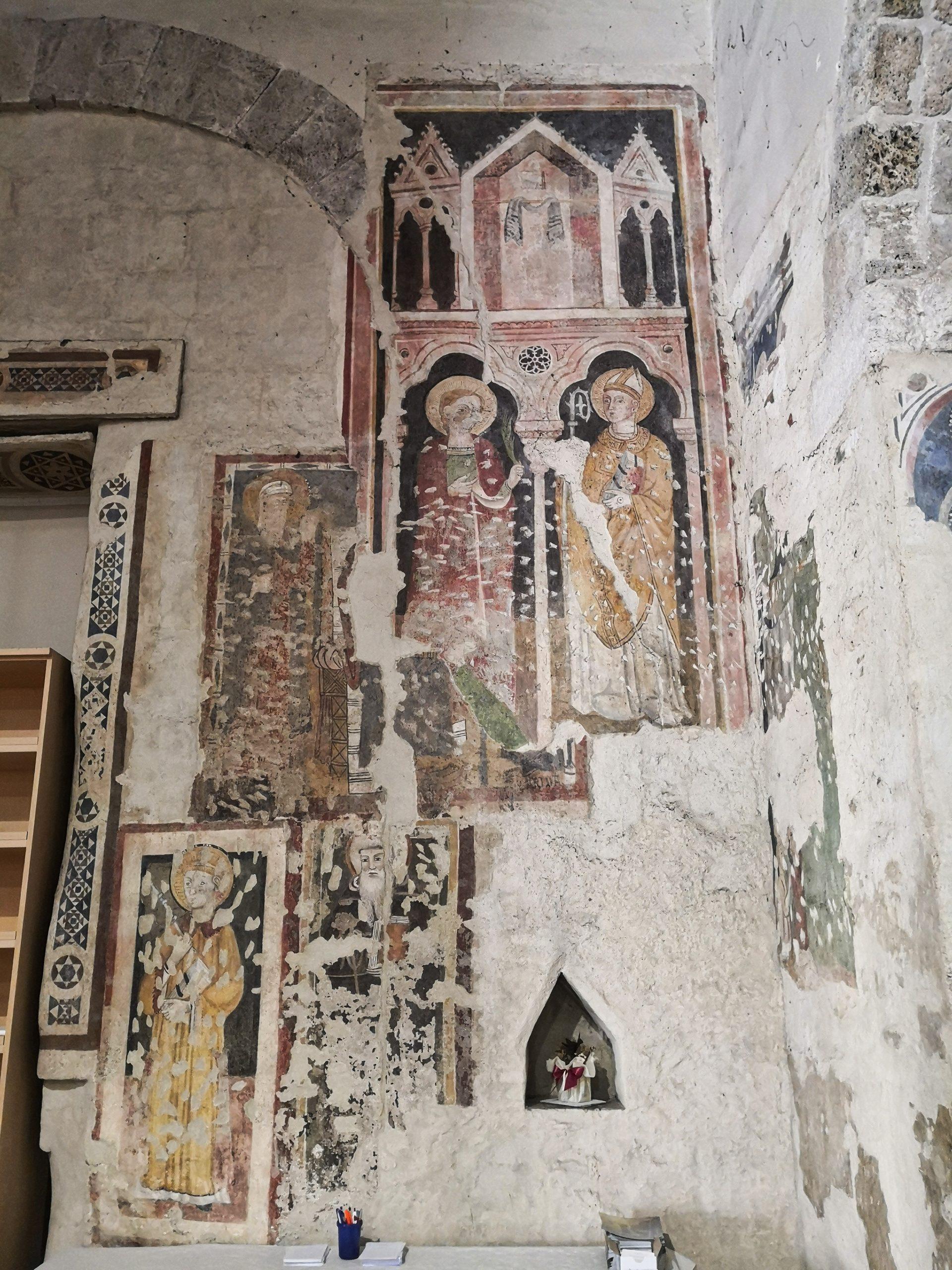 Antica controfacciata con Maestà e sante